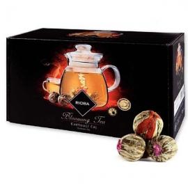 Kazeta s kvitnúcimi čajmi a šálkou